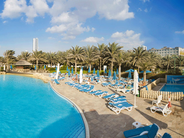Отель Coral Beach Resort 4* в Шардже